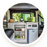 Van avec grand réfrigérateur